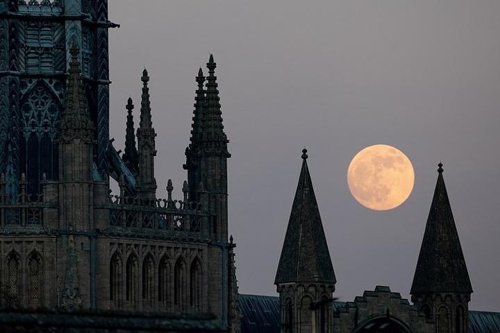 Siêu trăng Máu – trăng Sói 2019 và những bức ảnh đẹp xuýt xoa