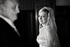 Mười điều người cha triệu phú dặn con gái trước khi về nhà chồng