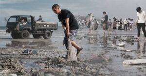 Chuyện người Tây nhặt rác ở Việt Nam: Ai cũng có thể truyền cảm hứng
