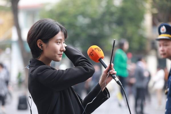 Dàn phóng viên quốc tế xinh đẹp tác nghiệp tại Hội nghị thượng đỉnh Mỹ – Triều