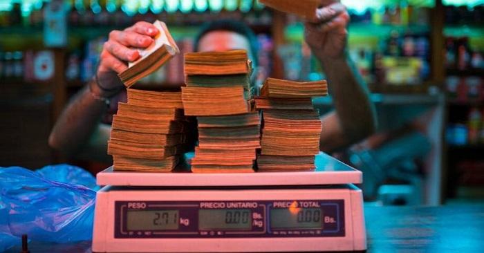 Venezuela: Tiền dành dụm cả đời trở thành giấy vụn vì siêu lạm phát