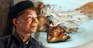 Ngày giỗ cha, anh nghẹn lòng khi nhớ lại những lần cha nói dối: 'Cha thích ăn đầu và xương cá con ạ'…