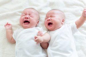 Chuyện lạ: Một cặp sinh đôi nhưng có đến… 2 người cha