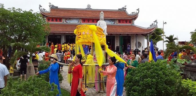 Về Nam Định dự lễ hội Chùa Đồi – Yên Đồng
