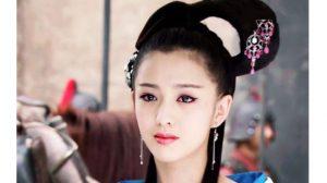 Ngây người vì dung mạo của 'tiên nữ' tộc người đẹp nhất Trung Á