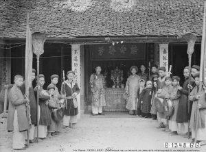 Lễ ban sắc phong cho một ông quan ở Hà Đông xưa