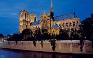Tranh cãi về phục dựng Nhà thờ Đức Bà Paris – Hoài cổ hay hiện đại?