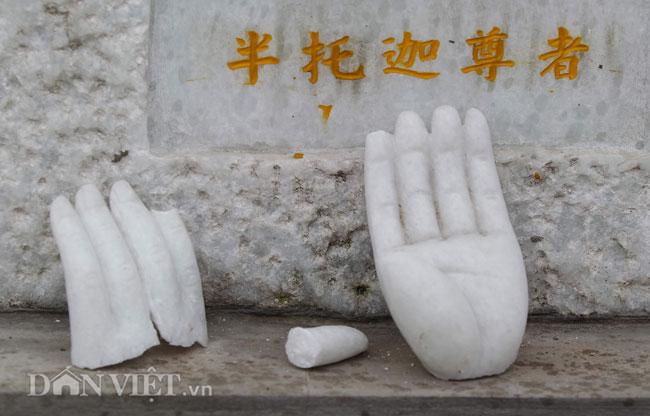 Cận cảnh 16 pho tượng đá ngọc bị đập phá ở ngôi chùa cổ Hà Nội