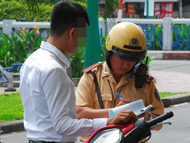 Vi phạm giao thông: Phạt lao động công ích để răn đe