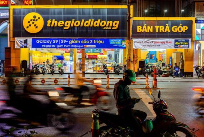 Thế giới Di động buôn xoong nồi, Vietjet bán mì tôm thu tiền tỷ