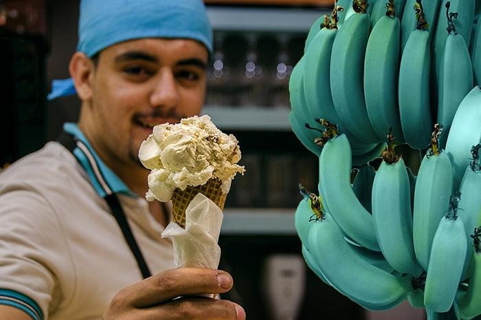 Thưởng thức chuối màu xanh lam – kỳ lạ từ màu sắc cho tới hương vị