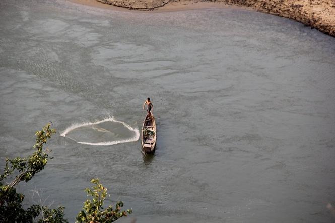 Cuộc đi săn các loài cá cực quý hiếm bên dòng Nậm Nơn