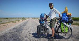 Người đàn ông trở về nhà sau 10 năm vòng quanh thế giới bằng xe đạp