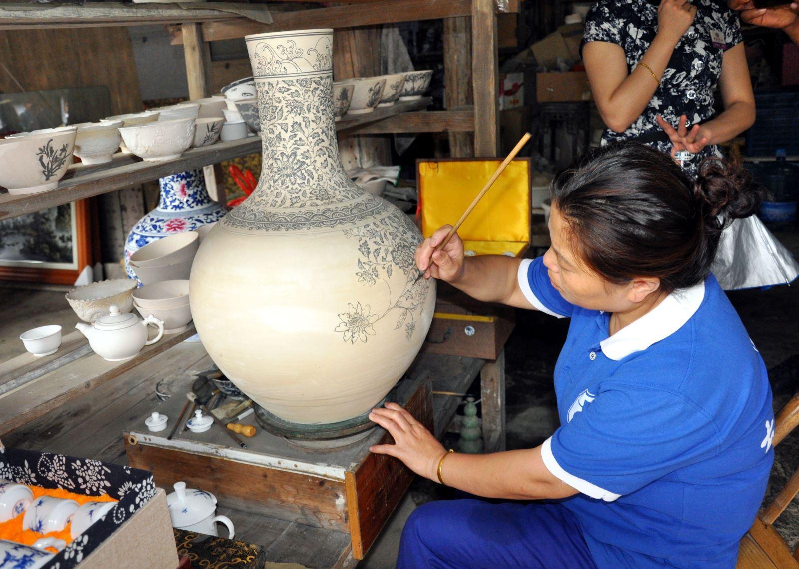 Khám phá nghệ thuật gốm sứ Giang Tây, Trung Quốc