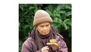 Thiền sư Thích Nhất Hạnh tiết lộ về cách ăn uống hạnh phúc
