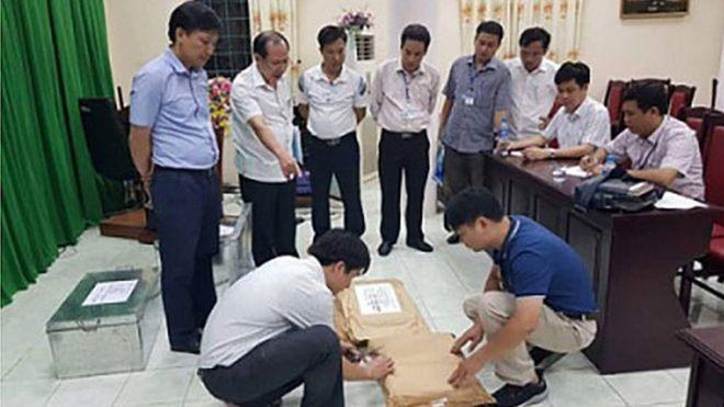 Bí ẩn con lợn nhựa vỡ lưng thu được trong vụ gian lận điểm thi Hà Giang