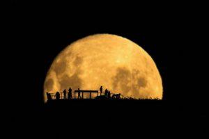 Những sự thật kỳ lạ và thú vị về mặt trăng