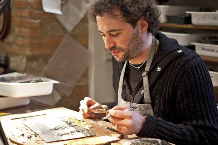 Tìm hiểu nghệ thuật tranh khảm đá cổ điển truyền thống Ý