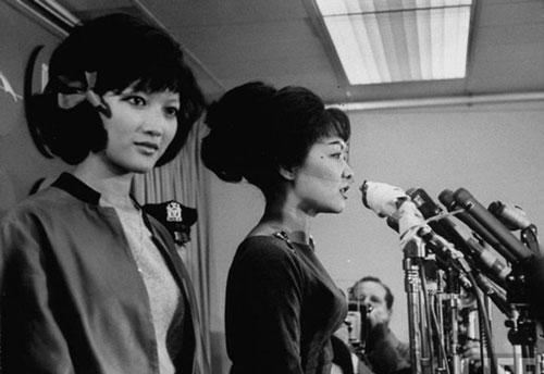 Tháng 10/1963, Trần Lệ Xuân cùng con gái Ngô Đình Lệ Thủy đi Mỹ và Roma với dự định sẽ vạch trần mưu đồ của Tổng thống Kennedy và CIA trước công chúng Mỹ.