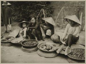 Ảnh hiếm, không 'đụng hàng' về người Việt 100 năm trước