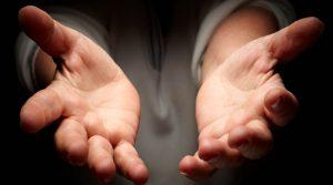 'Một bàn tay thì đầy, hai bàn tay thì vơi'