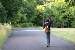 Đi dạo một chút, hạnh phúc ngay dưới chân ta