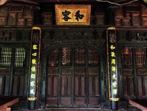 Độc đáo nhà trăm cột bằng gỗ quý tại Đồng Tháp