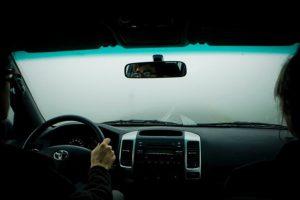 Những điều cấm kỵ khi lái xe ô tô trong sương mù