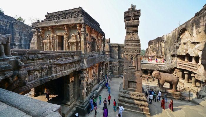Ngôi đền cổ đại được tạc từ một khối đá duy nhất