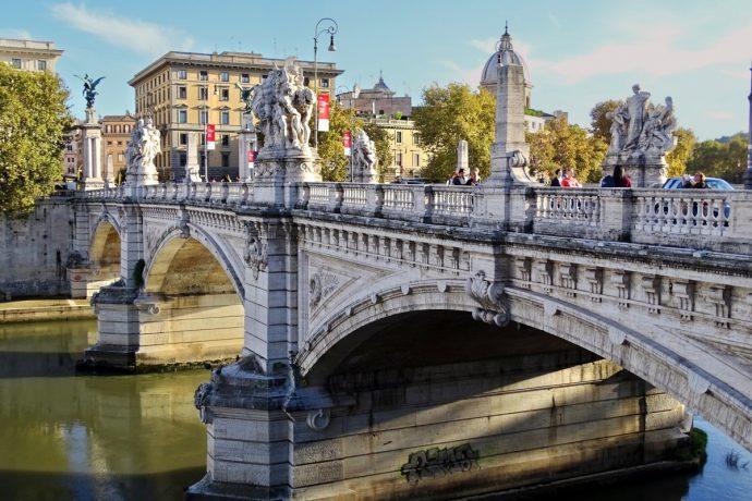 Tìm hiểu những cây cầu cổ đẹp nhất của thành Rome