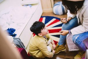 Hóa đơn gửi mẹ: Bài học thấm thía cho những người con