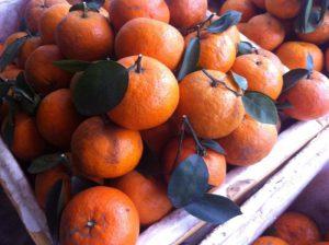 Cách phân biệt hoa quả 'ngậm' hóa chất tránh mua nhầm dịp Tết
