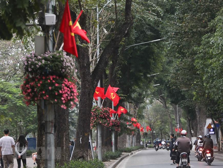 Hà Nội rực rỡ cờ hoa mừng Đảng, mừng Xuân Canh Tý