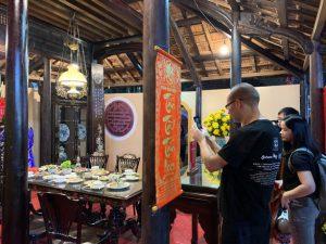 Lần đầu ăn Tết Việt: 'Tôi thực sự ngạc nhiên'