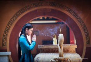 Đi chùa để cầu xin hay để tu theo Phật