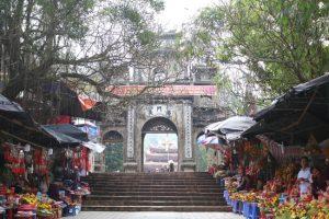 Những hình ảnh chưa từng thấy tại lễ hội chùa Hương