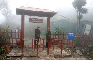 Quảng Ninh: Du khách bức xúc khi lên Yên Tử phải qua 'trạm BOT'