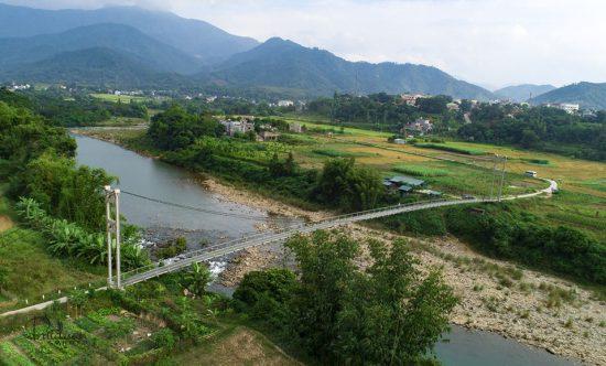 Cầu treo bản Nà Làng, xã Tình Húc cũ, nay là thị trấn Bình Liêu. Ảnh: Bùi Duẫn (CTV)
