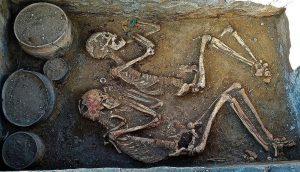 Khám phá ra đôi hài cốt tình nhân bên nhau suốt 5.000 năm