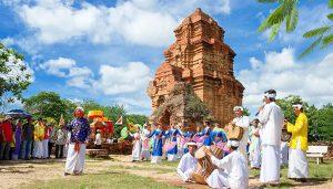 Bảo tồn và phát huy văn hóa đồng bào dân tộc Chăm
