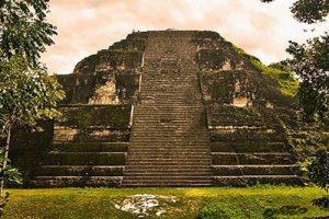 Không phải Giza, Cholula mới là kim tự tháp lớn nhất thế giới