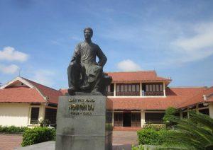 Kỷ niệm 200 năm Ngày mất Thi hào Nguyễn Du (1820 – 2020): Cảo thơm lần giở trước đèn