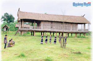 Kiến trúc nhà sàn truyền thống của người Hrê