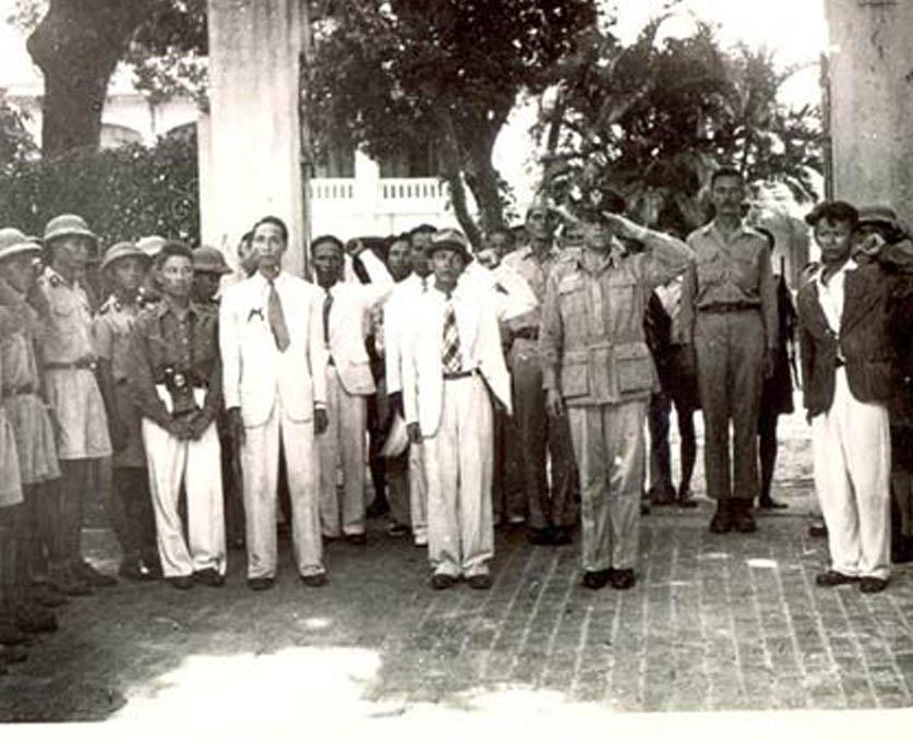 Hồ Chí Minh và người Mỹ trong Cách mạng Tháng Tám