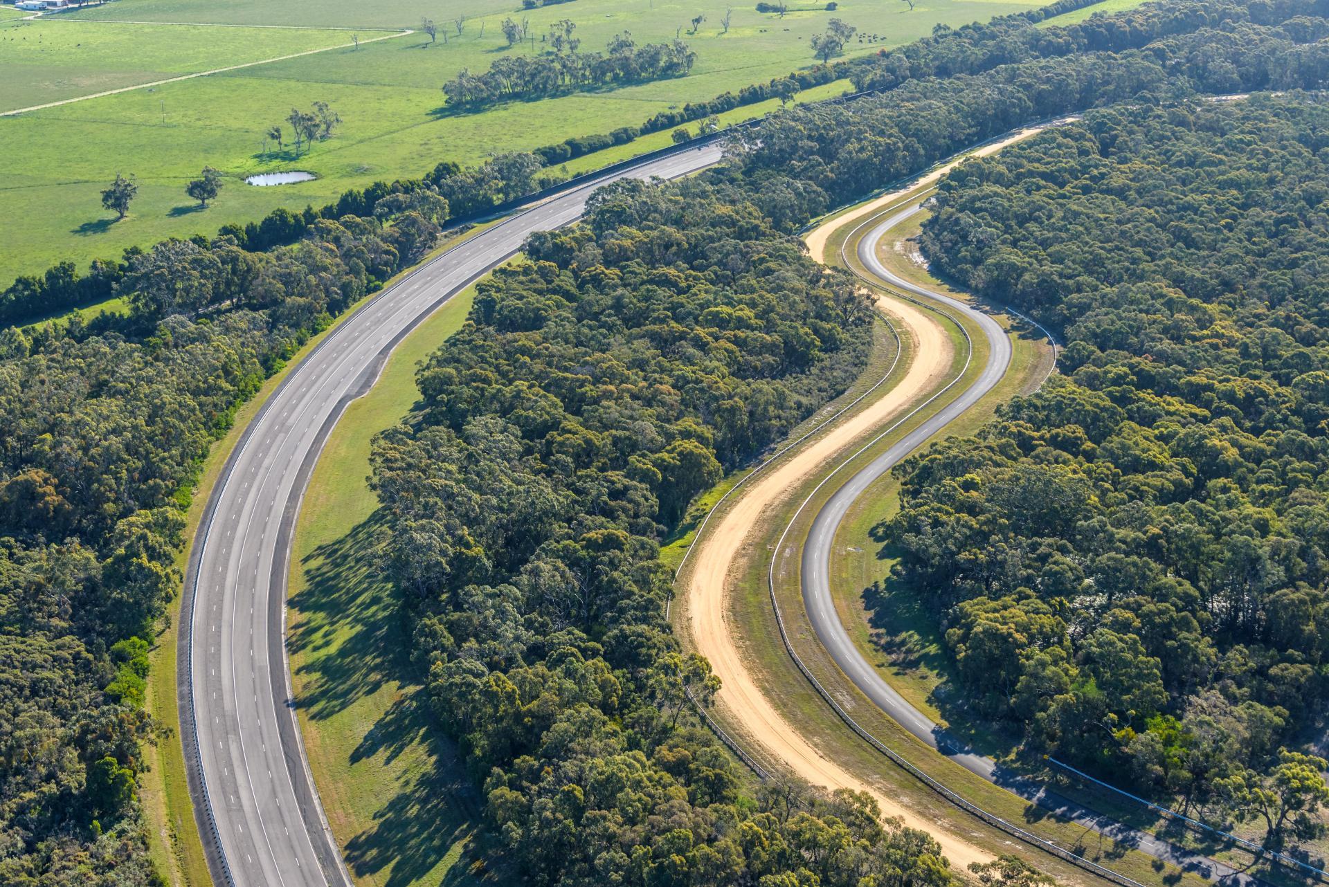 VinFast chính thức mua lại trung tâm thử nghiệm ô tô của GM tại Úc – Bàn đạp đưa hãng xe Việt ra thế giới