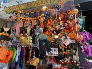 Muôn màu kinh dị tại phố Hàng Mã dịp Halloween