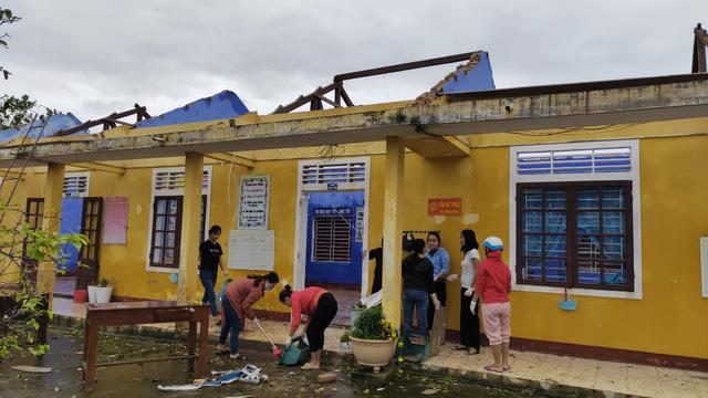 Các tỉnh miền Trung chịu thiệt hại nặng nề do bão số 13