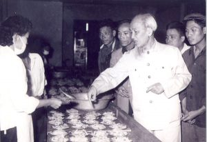 Chủ tịch Hồ Chí Minh với công tác cán bộ