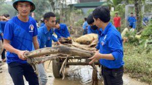 Cảnh tượng hoang tàn, tài sản chìm trong lớp bùn non sau lũ ở Nghệ An