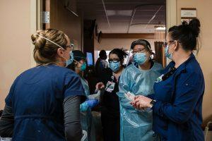Bệnh viện Mỹ nguy cơ 'vỡ trận'
